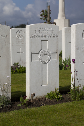 Headstone of Private Ernest Henry Goodwin (30785). Dochy Farm New British Cemetery, Langemark-Poelkapelle, West-Vlaanderen, Belgium. New Zealand War Graves Trust (BEBB9005). CC BY-NC-ND 4.0.
