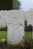 Headstone of Private Kenneth Ivan Munce (28751). New Irish Farm Cemetery, Ieper, West-Vlaanderen, Belgium. New Zealand War Graves Trust (BECY0612). CC BY-NC-ND 4.0.