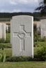 Headstone of Gunner Robert Britton Shepherd (13/2481). St Quentin Cabaret Military Cemetery, Heuvelland, West-Vlaanderen, Belgium. New Zealand War Graves Trust (BEEA2462). CC BY-NC-ND 4.0.