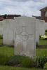 Headstone of Rifleman Peter William Doig (24/125). Reninghelst New Military Cemetery, Reningelst, Poperingseweg, West-Vlaanderen, Belgium. New Zealand War Graves Trust (BEDS8436). CC BY-NC-ND 4.0.