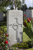 Headstone of Private Charles Martin Dale (23150). St Quentin Cabaret Military Cemetery, Heuvelland, West-Vlaanderen, Belgium. New Zealand War Graves Trust (BEEA2404). CC BY-NC-ND 4.0.