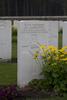 Headstone of Rifleman Roy Lane Cunliffe (13739). Polygon Wood Cemetery, Zonnebeke, West-Vlaanderen, Belgium. New Zealand War Graves Trust (BEDK6564). CC BY-NC-ND 4.0.