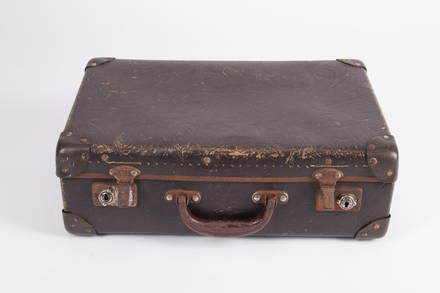 suitcase, 2019.4.11, © Auckland Museum CC BY