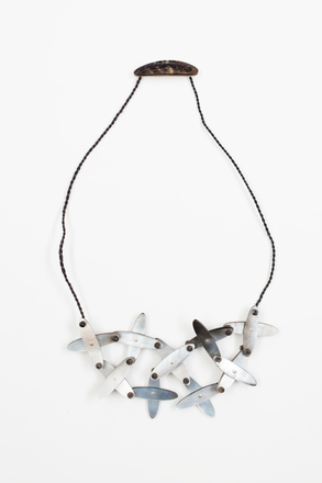 necklace, 1994.147, JY147, © Auckland Museum CC BY NC