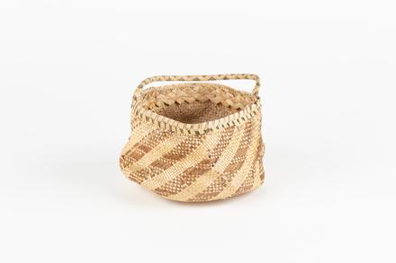 basket, 1977.21, 48093.6, Cultural Permissions Apply