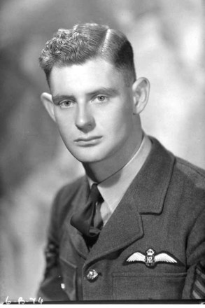 Portrait of Edward Haines Beable in Royal New Zealand Air Force. Taken by Clifton Firth, 16 October 1940. Auckland Libraries Heritage Collections 34-B74. Image is subject to copyright restrictions.