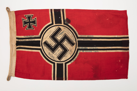 flag, 2019.62.127, Photographed 08 Jan 2020, © Auckland Museum CC BY