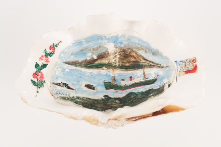 Clamshell, painted 'Matua', 2018.83.1, 2000.4537.69, Photographed 15 Jan 2020, © Auckland Museum CC BY