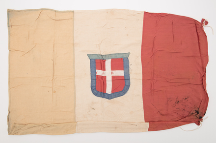 flag, 2019.62.122, Photographed 16 Jan 2020, © Auckland Museum CC BY