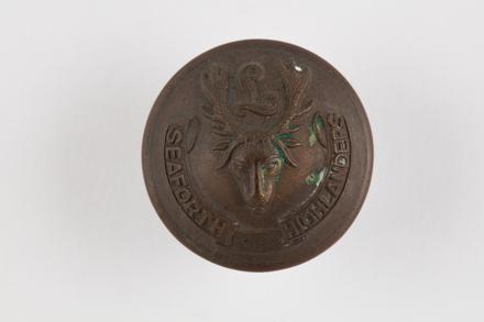 button, regimental, 2019.62.250, Photographed 22 Jan 2020, © Auckland Museum CC BY