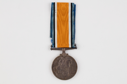 medal, campaign, 2019.62.555.1, Photographed 23 Jan 2020, © Auckland Museum CC BY