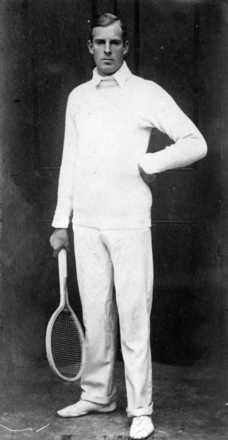 Portrait of Anthony Frederick Wilding ca.1910. Ref: MNZ-0971-1/4-F. Alexander Turnbull Library, Wellington, New Zealand.