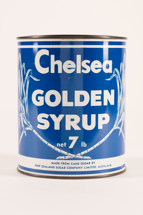 golden syrup tin, 2019.83.27, Photographed 26 Feb 2020, © Auckland Museum CC BY