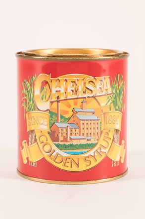 golden syrup tin, 2019.83.28, Photographed 26 Feb 2020, © Auckland Museum CC BY