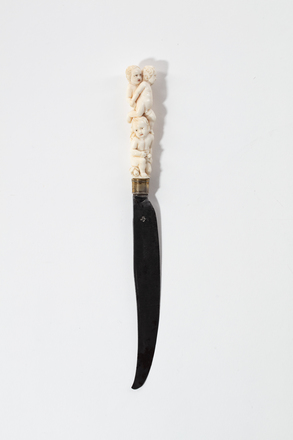 knife, carving, 1932.233, 759, 17651, 17651.1, M258, Photographed by Jennifer Carol, digital, 19 Mar 2020, © Auckland Museum CC BY