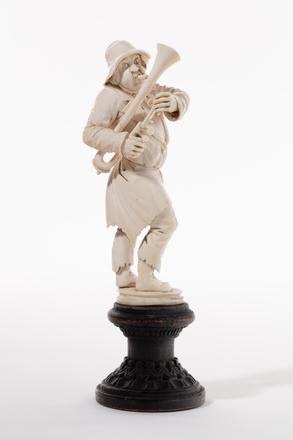 figure, musician, 1932.233, 581, 580, 18004, M235, M236, Photographed by Jennifer Carol, digital, 18 Mar 2020, © Auckland Museum CC BY