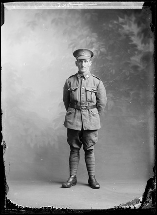 Crown Studios, Auckland. Studio portrait of an unidentified soldier. Carlton?. Auckland Libraries Heritage Collections 7003-308. No known copyright restrictions