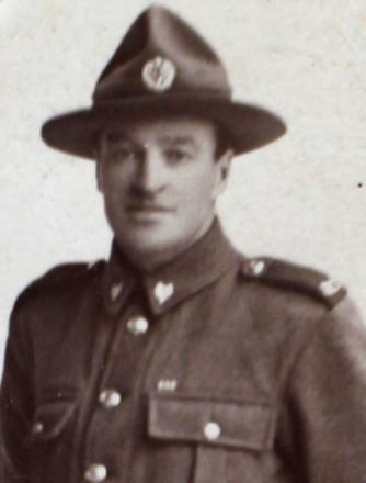 Portrait of Thomas Bullick, 1916. Image courtesy of Douglas Bullick (via Tauranga Heritage Collection), Kete Tauranga, Tauranga City Libraries. Image is subject to copyright restrictions.
