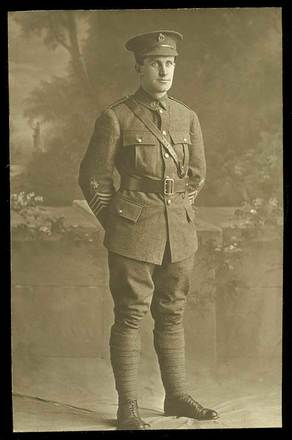 Portrait of Leonard Carswell Hanan. Image courtesy of  J. and  P. Evans, South Canterbury Museum L2015/021.01. Image is subject to copyright restrictions.