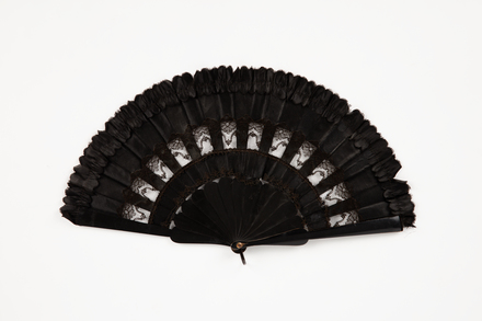 fan, 1965.78.616, col.0034, ocm1970, Photographed 18 May 2020, © Auckland Museum CC BY