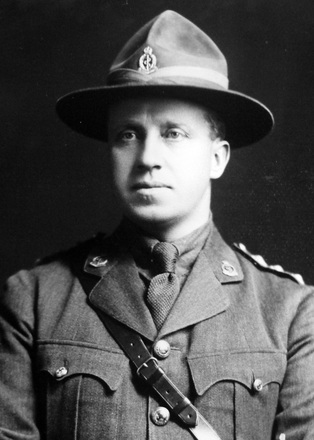Portrait of Captain Sidney Harcourt Arthur. Image courtesy of Allan Dodson, Porirua War Stories (June 2020). Image has no known copyright restrictions.