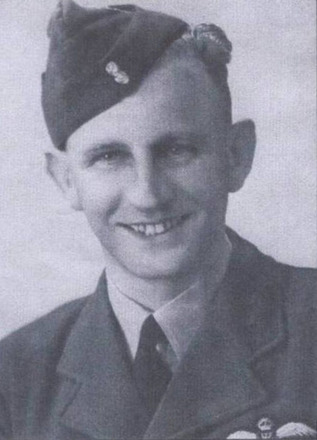 Portrait of Edmund Murray Corlett. Image courtesy of Allan Dodson, Porirua War Stories. Image may be subject to copyright restrictions.