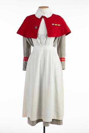 cape, nursing, U150, Photographed 30 Jun 2020, © Auckland Museum CC BY
