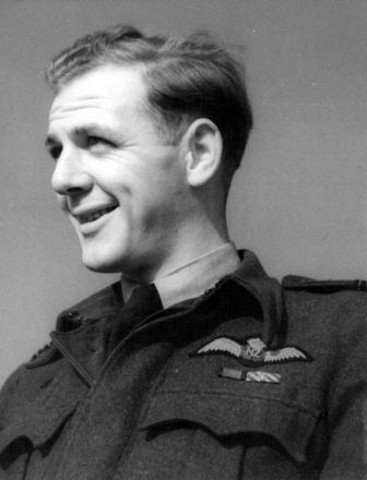 Photograph of Desmond James Scott, c.Second World War. Image courtesy of the Air Force Museum of New Zealand. Image may be subject to copyright restrictions.