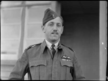 Wing Commander S G Quill, DFC (Distinguished Flying Cross), RNZAF (Royal New Zealand Air Force). Whites Aviation Ltd. Image kindly provided by the Alexander Turnbull Library Ref: WA-08375-F. Image has no known copyright restrictions.