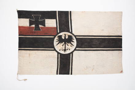 flag, ensign, 1940.113, F003, W0953, Photographed 23 Jul 2020, © Auckland Museum CC BY