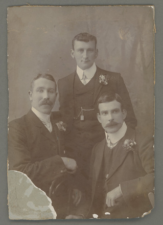 Photograph of Killery family from Left to Right: William Killery (father), William Thomas Killery (standing) and Thomas Michael Killery. Image kindly provided by Joan Pyrde (July 2020).