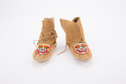 moccasins, 1969.101, 41483 Cultural Permissions Apply