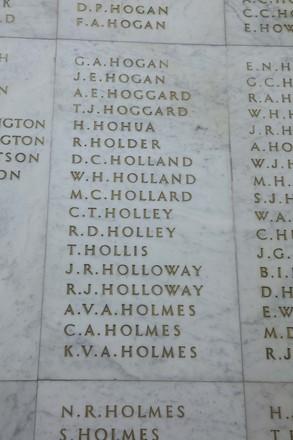 Auckland War Memorial Museum, World War II Hall of Memories Panel  H_025. Image taken June 2020.