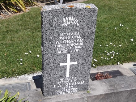 Headstone of Pte Thomas Edmond Alexander GRAHAM 447796. Andersons Bay RSA Cemetery, Dunedin City Council, Block 6SF, Plot 3. Image kindly provided by Allan Steel CC-BY 4.0.