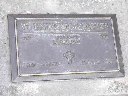 Headstone of Dvr William ENDICOTT-DAVIES 8955. Andersons Bay RSA Cemetery, Dunedin City Council, Block 22A, Plot 147. Image kindly provided by Allan Steel CC-BY 4.0.