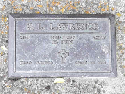 Headstone of Capt George Leonard LAWRENCE 7178. Andersons Bay RSA Cemetery, Dunedin City Council, Block 22A204. Image kindly provided by Allan Steel CC-BY 4.0.