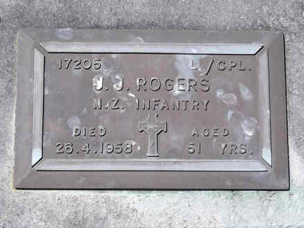 Headstone of L/Cpl John Joseph ROGERS 17205. Andersons Bay RSA Cemetery, Dunedin City Council, Block 25S8. Image kindly provided by Allan Steel CC-BY 4.0.