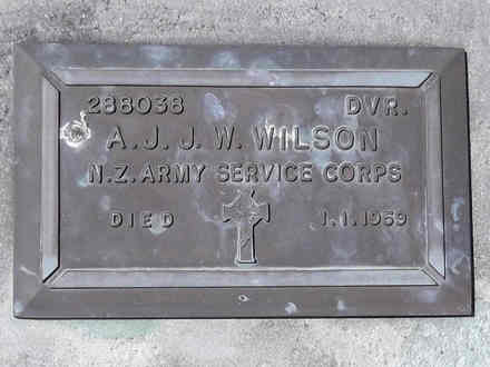 Headstone of Dvr Allan John Joseph Ward WILSON 288038. Andersons Bay RSA Cemetery, Dunedin City Council, Block 37S20. Image kindly provided by Allan Steel CC-BY 4.0.