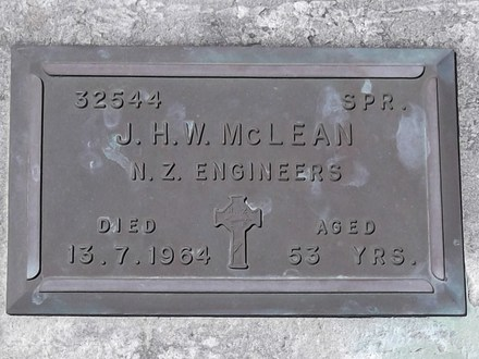 Headstone of Spr James Henry Walter MCLEAN 32544. Andersons Bay RSA Cemetery, Dunedin City Council, Block 40S, Plot 26. Image kindly provided by Allan Steel CC-BY 4.0.