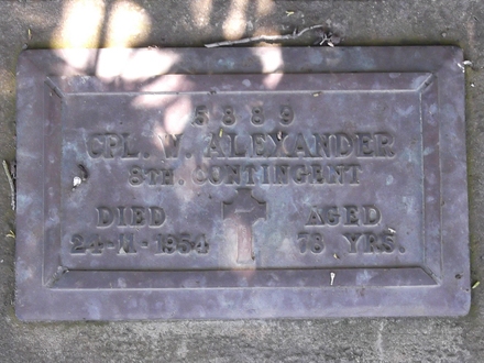 Headstone of Cpl William ALEXANDER 5889. Andersons Bay RSA Cemetery, Dunedin City Council, Block 45S17. Image kindly provided by Allan Steel CC-BY 4.0.