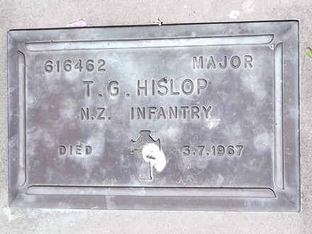 Headstone of Major Thomas Gordon HISLOP 616462. Andersons Bay RSA Cemetery, Dunedin City Council, Block 45S305. Image kindly provided by Allan Steel CC-BY 4.0.
