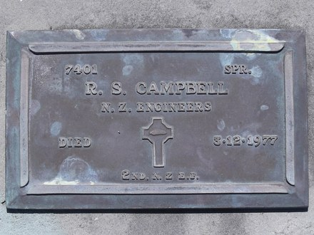 Headstone of Spr Ronald Stewart CAMPBELL 7401. Andersons Bay RSA Cemetery, Dunedin City Council, Block 7SC9. Image kindly provided by Allan Steel CC-BY 4.0.