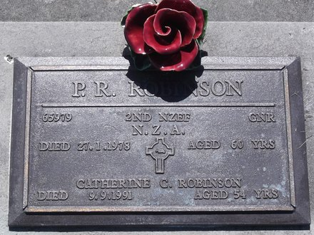 Headstone of Gnr Percival Robert ROBINSON 65979. Andersons Bay RSA Cemetery, Dunedin City Council, Block 7SC13. Image kindly provided by Allan Steel CC-BY 4.0.
