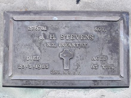 Headstone of Sgt John Hector STEVENS 276781. Andersons Bay RSA Cemetery, Dunedin City Council, Block 11SC, Plot 21. Image kindly provided by Allan Steel CC-BY 4.0.