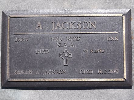 Headstone of Gnr Alexander McEwan JACKSON 20860. Andersons Bay RSA Cemetery, Dunedin City Council, Block 16SC5. Image kindly provided by Allan Steel CC-BY 4.0.