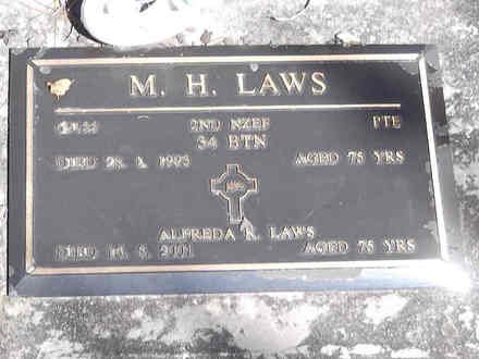 Headstone of Pte Maurice Hammond LAWS 69133. Greenpark RSA Cemetery, Dunedin City Council, Block 1A97. Image kindly provided by Allan Steel CC-BY 4.0.