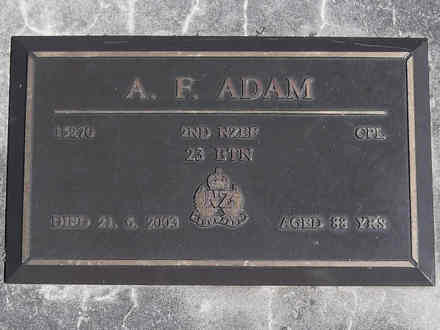 Headstone of Cpl Angus Forsyth ADAM 15270. Greenpark RSA Cemetery, Dunedin City Council, Block 1A240. Image kindly provided by Allan Steel CC-BY 4.0.