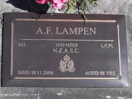 Headstone of L/Cpl Antony Forrest LAMPEN 922. Greenpark RSA Cemetery, Dunedin City Council, Block 1A, Plot 301. Image kindly provided by Allan Steel CC-BY 4.0.