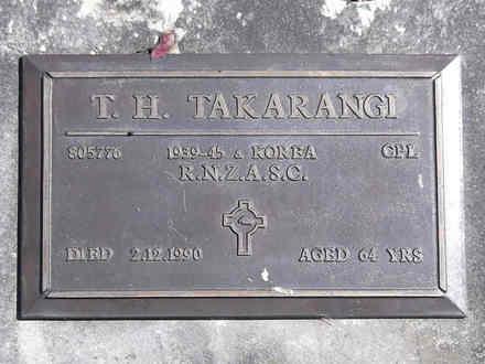 Headstone of Cpl Teraphana Hawaikirangi TAKARANGI 805776. Greenpark RSA Cemetery, Dunedin City Council, Block 1S, Plot 11. Image kindly provided by Allan Steel CC-BY 4.0.