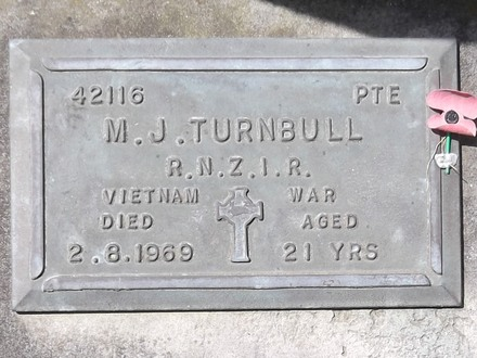 Headstone of Pte Murray John TURNBULL 42116. Andersons Bay RSA Cemetery, Dunedin City Council, Block 9A4. Image kindly provided by Allan Steel CC-BY 4.0.